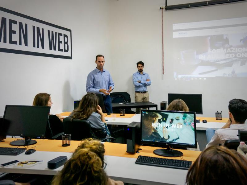 Lezione in aula di Instudio roma